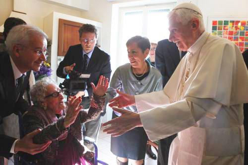 12 novembre 2012 - La visita di Benedetto XVI alla Casa Viva Gli Anziani della Comunità di Sant'Egidio a Roma