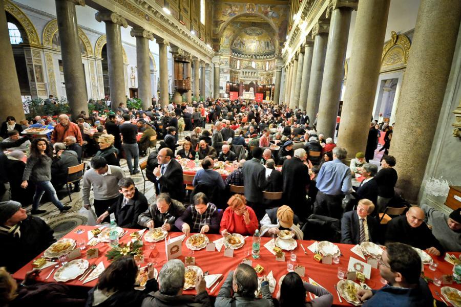 Il pranzo di natale i centri di raccolta comunit di sant 39 egidio - Pranzo immagini ...