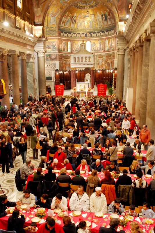 Natale 2012 con la Comunit&agrave; di Sant'Egidio - Il pranzo a Santa Maria in Trastevere (Roma)