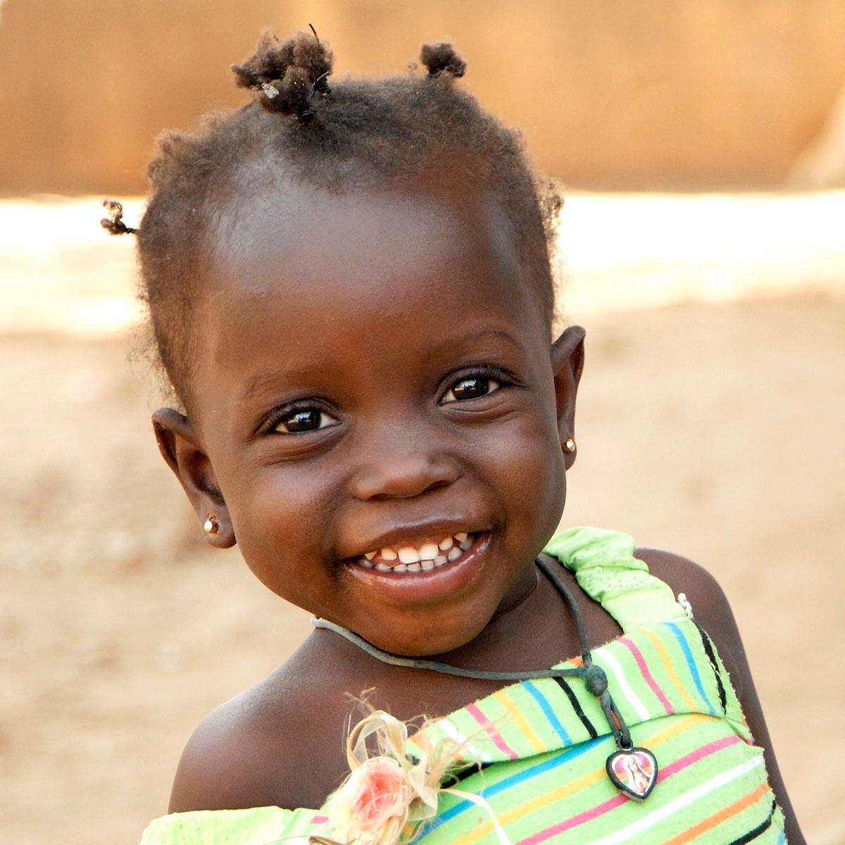 La Comunità di Sant'Egidio dal settembre del 1998 ha avviato un programma di adozione a distanza in numerosi paesi del mondo.