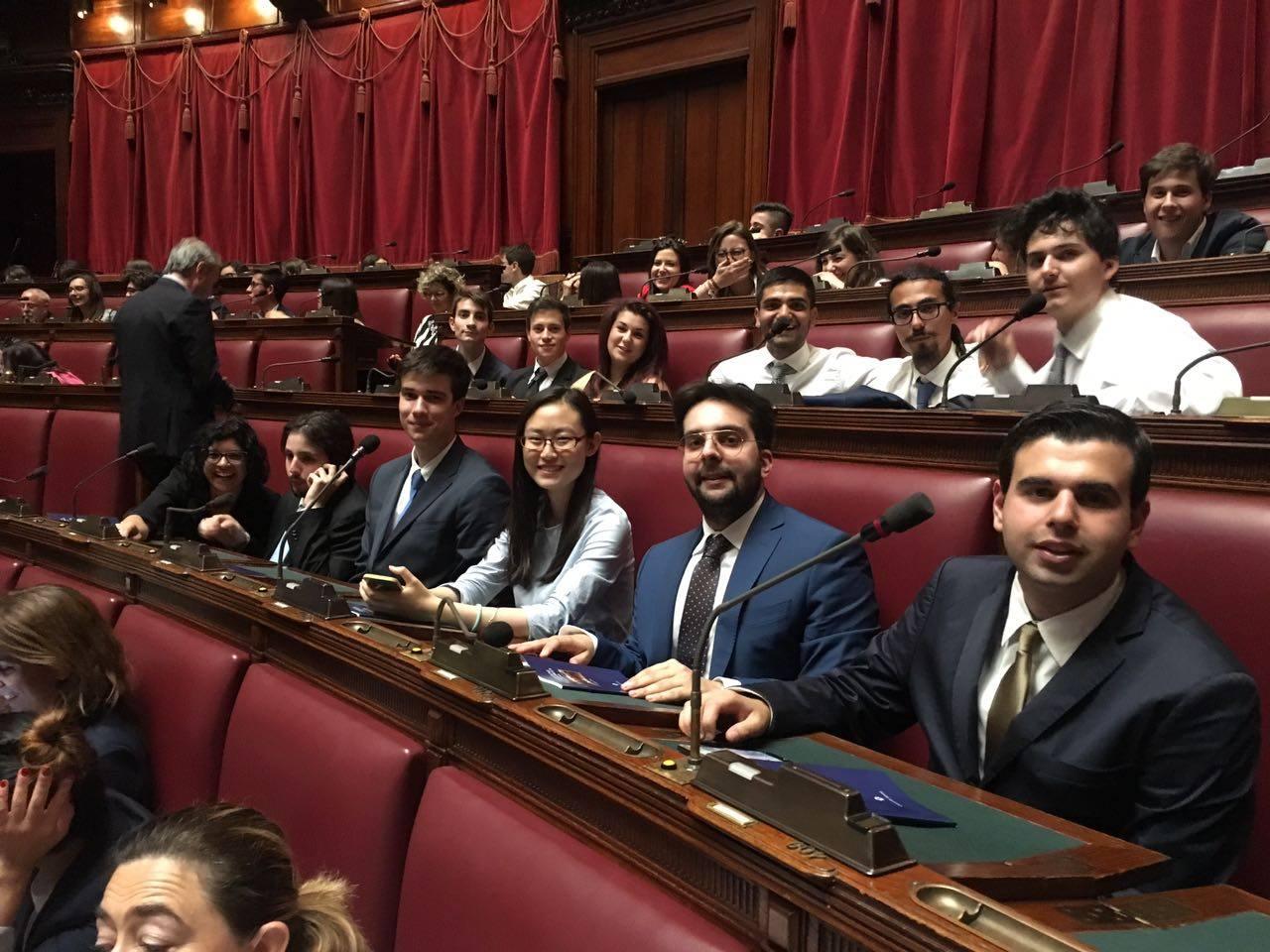 I giovani per la pace intervengono al parlamento italiano for Parlamento della repubblica
