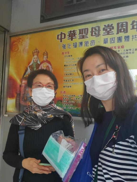 Hong Kong, Sant'Egidio is providing with free masks and disinfectant for homeless people, migrants and elderly