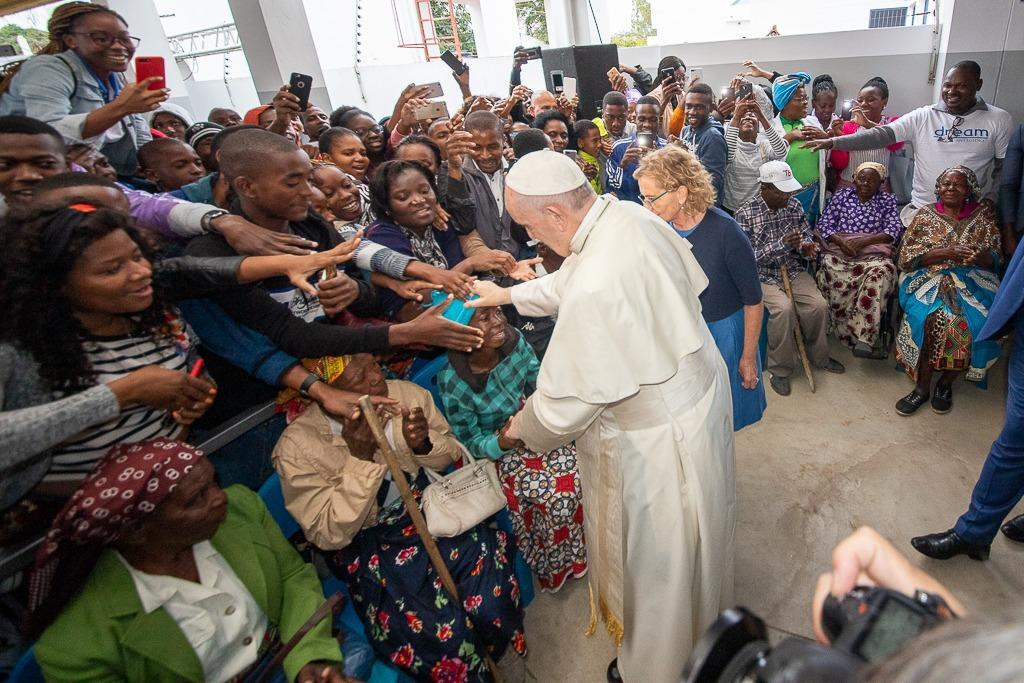 Mozambique, el papa Francisco en el centro DREAM de Sant'Egidio: