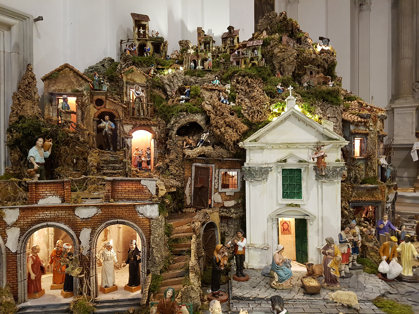 Bezoek de kerststal van sant 39 egidio jezus wordt ontvangen - Presepe in casa ...