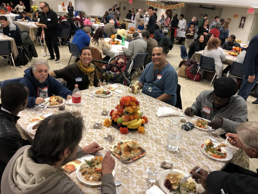 Thanksgiving senza muri: a New York una festa di inclusione e amicizia